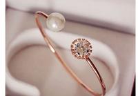2014 new Korean fashion retro sweet personality shine Zircon aristocratic temperament simple pearl Bangles  S6034