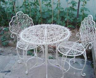Smeedijzeren tafel en stoelen voor outdoor salontafel stoel meubilair vrijetijdsbesteding - Stoel rondetafelgesprek ...
