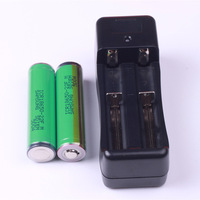 2PCS Original  Protected 18650 ICR18650-22F 2200mah Rechargeable Li-ion  Battery with PCB For Samsung +1PCS Charger