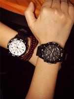 2014 Christmas gift 5 color Unisex  Casual Watch Quartz watch men women Analog watch Sports Watch Fashion Silicone watch