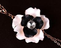 2014 new Korean fashion OL temperament sweet romantic fashion wild retro sweater chain necklace dripping roses  X8022