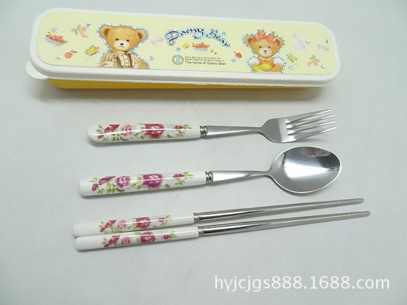 Ceramic cutlery sets , plastic box three-piece, high-grade fine tableware gifts , environmentally friendly high material(China (Mainland))