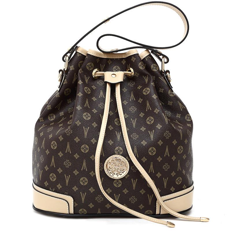 fashion classical design women PVC leather messenger bag women one shoulder bag women cross boby bag free shipping(China (Mainland))