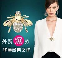 BP15  2014Fashion Brand Brooches Men Women Cute Bees Gold Animal Rhinestone Wedding Pins10pcs/lot