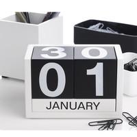 Wooden Creative Calendar DIY Calendar Perpetual Calendar