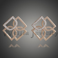 New Arrival Fashion Wholesale New Jewelry 18K Gold Plated Rhinestone Double Relative Letter D Shape Stud Earrings E00882
