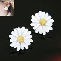 2015 Ladies Earrings Korean fashion fresh Girls sweet little chrysanthemum earrings for Women Free shipping Z&E2106