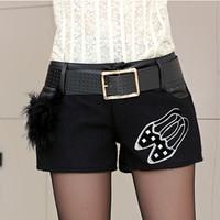 2014 new winter women's fashion wild thin woolen stitching PU leather shorts feminino casual boots pants shorts women saia