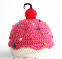 Brand New CUPCAKE BABY HAT  - photo prop  Crochet Hat Photography Prop 100% cotton