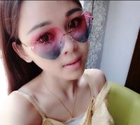 NEWS fashion Sunglasses Two-color gradient sweet heart-shaped sunglasses HYL178