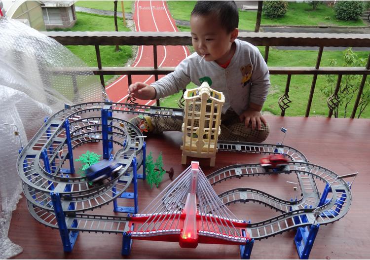 Электрический автомобиль игрушка подарок Томас поезд