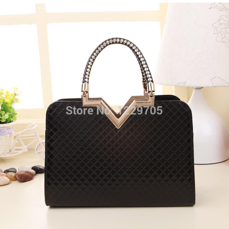 HOT !!!! Women Handbag Special Offer PU Leather bags women messenger bag / grid pattern V Frame handbags Vintage Crossbody Bags(China (Mainland))