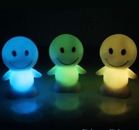 New LED Happy Smile Face Night Light Party Proms Supplies Kids Toys Holiday Wedding Christmas Decorations Flashing Toy
