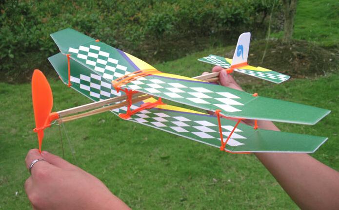 hm gemonteerd rubberen band aangedreven vliegtuig model speelgoed tianchi rubberen band aangedreven model tweedekkers wetenschap groothandel(China (Mainland))