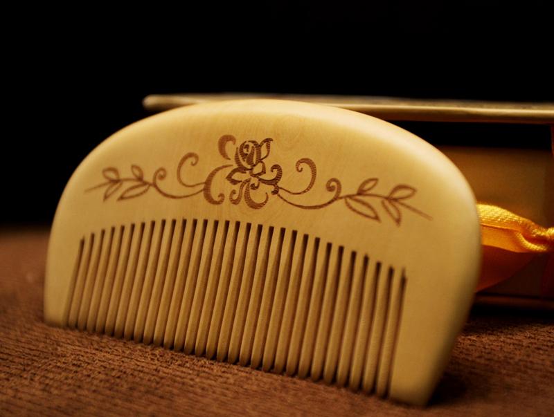 Changzhou comb lobular boxwood combs genuine anti-hair loss massage / 10cm fine comb to keep hair conditioner(China (Mainland))