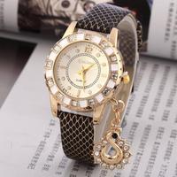 Fashion Lady Dress Watches Luxury Swan Pendant Wristwatches Women Quartz Watch Relogio Clock