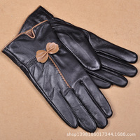 A generation of fat Haining manufacturers supply wholesale leather glove lady sheep leather gloves in winter cold thick