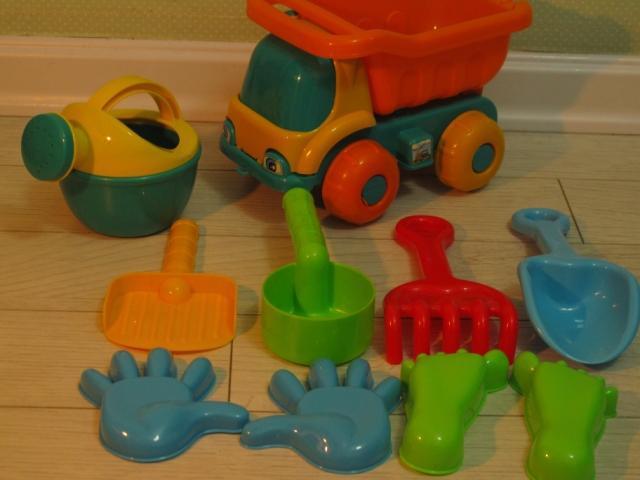 530 Small 10 piece set long 25 beach toy car sand water set(China (Mainland))