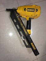 D51822 Clipped Head 2 to 3-1/2 In. Framing Nailer
