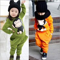 The new winter 2014 children suit, cartoon monkey private suits, pure cotton and wool fleece two-piece outfit