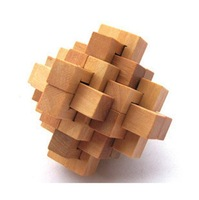 The intellectual exercise, disassembly assembly without chemical pollution of wooden toys