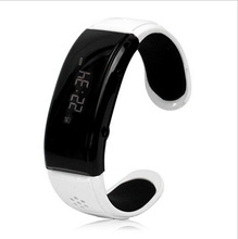 Christmas gift bluetooth handsfree smart wrist bracelet watch android bluetooth smart watch with call ID display