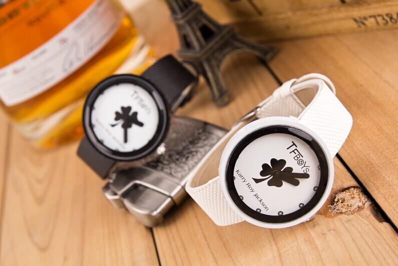 Watch latest fashion TFBOYS surrounding TF family Clover should hand table quartz watch(China (Mainland))