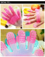 20pcs/lot Pet Dog Cat fingers Washing brush hand shampoo Grooming Bath care pets health Massage Glove Brush comb Free Shipping