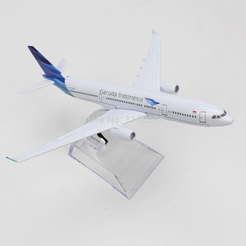 16cm Diecast AirPlane 1/400 Assembl Model Airbus330 Garuda Indonesia Airline(China (Mainland))