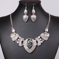 2014 new lady fan in Europe exaggerated necklace of glass diamond jewelry Yiwu jewelry one generation