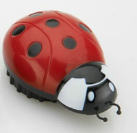 new cute ladybird shape  Herb weed  Grinder Crusher screen Tobacco Mill-free shipping