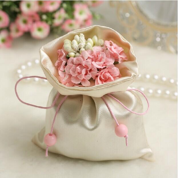 wedding favors flowers
