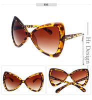 2015 New Top Quality Fashion Butterfly Design Sunglasses Retro Women Decoration Classic Eyewear Brand Designer