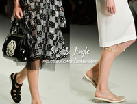 Spring/summer 2014 shows a new transparent with SIMON * ROCHA style leather Roman sandals