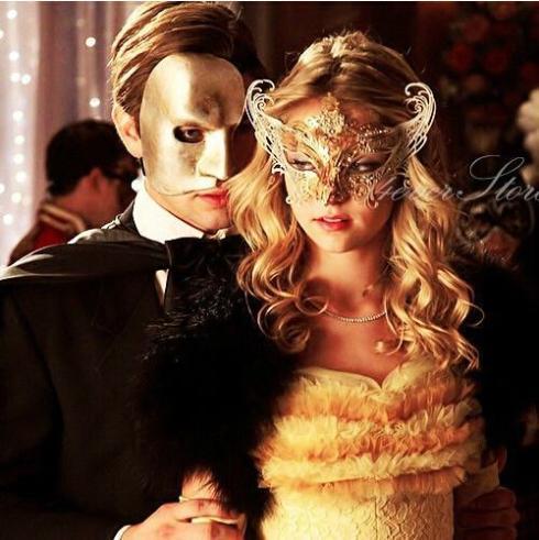 Classic Venice Masquerade Masks Pierced Metal Party Masks Rhinestone Women Masks Party Supplies 10pcs/lot SD221(China (Mainland))