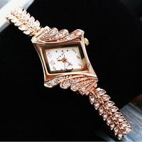 Fashion Women Alloy Bracelet Watch, Girls Students Xmas Gift Wristwatch, Bling Diamonds Luxury Dress Watch For Women