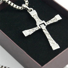 A new gift simple fashion and personality neutral male silver cross stainless steel pendant necklace