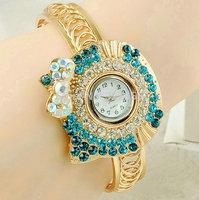 Fashion Watch Women girls Ladies Golden bangle rhinestone diamond watches Quartz Wrirstwatches Watch Relogio Feminino CX01