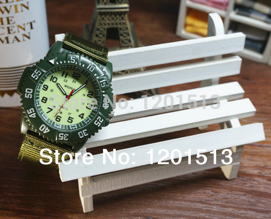 New military style watch casing outside the function design of military nylon strap quartz watch noctilucent function(China (Mainland))