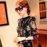 2014 Hitz Korean version of large size women chiffon floral lace long-sleeved shirt Slim T-shirt bottoming shirt ladies