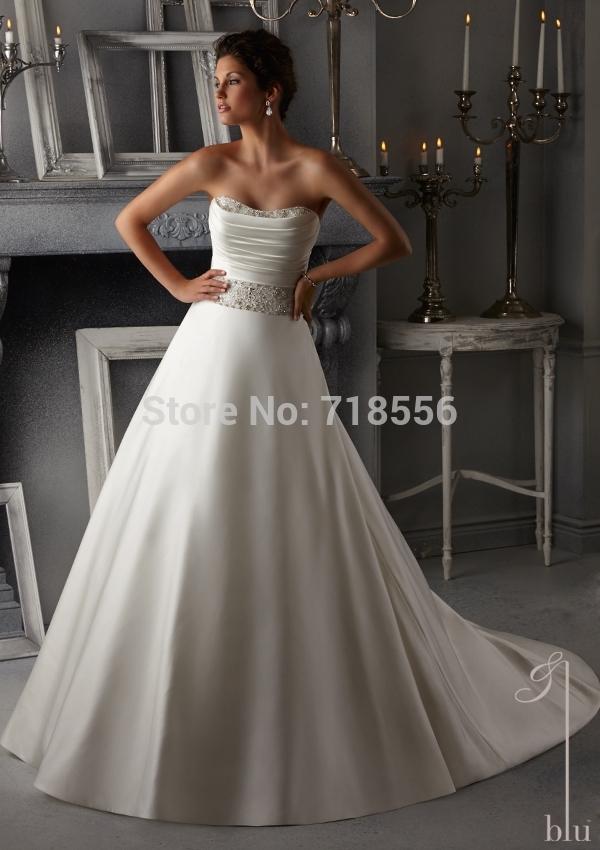 SexyCustom Charming White Crystal Beading on a Duchess Satin Wedding Dress Bridal Wedding Gown(China (Mainland))