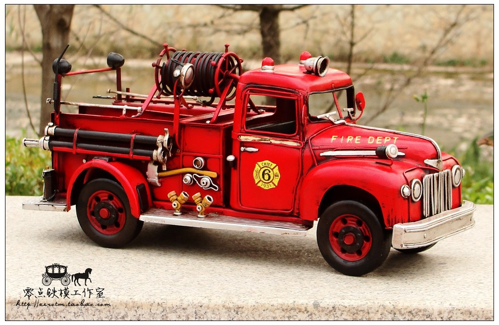 Retro metal craft ornaments vintage fire truck model Ford Antique Iron birthday(China (Mainland))