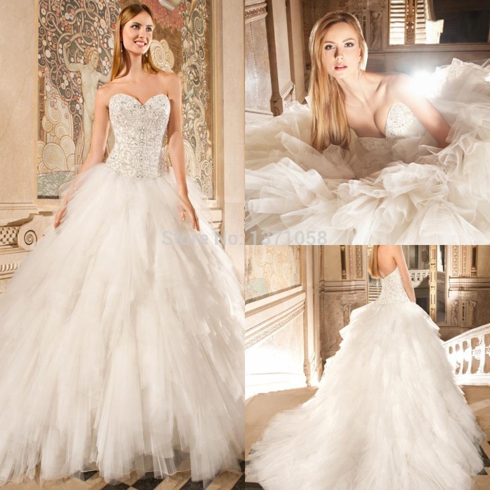 Brautkleider mit Juwelen