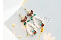 Elegant fashion Crystal butterfly earrings Han edition earrings Crystal rhinestone tassel earrings