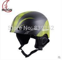 2014 New Ultralight  Professional Men Woman Warm Adjustable  Winter Snowboard Skating Skiing helmet Skiing Sport Safety Helmet