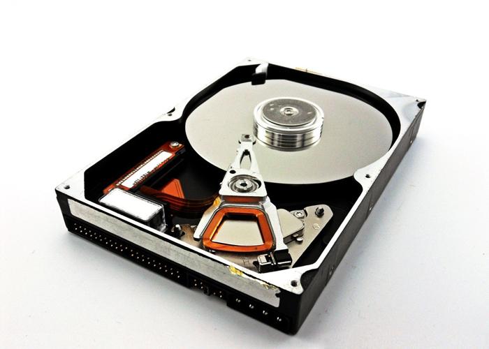 Server hdd STDM8000300 Business Storage 4-Bay NAS 8TB Hard Drive(China (Mainland))