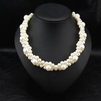 Wholesale Brand Fashion Delicate Jewelry Vintage Perfume Women Costume Chunky Pearl Neckalce Choker Jewelry statement necklace