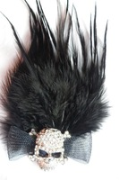 free shipping (min order 10USD) new design fashion cool man skull feather brooch /winter dress accessory