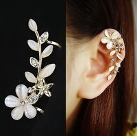 New Fashion Vintage Exaggerated Gold Plated Leaf Ear Cuff Clip Earrings For Women SE100