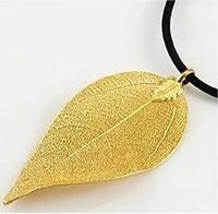 New Design 24K Gold Women Pendant Necklaces Made Of Natural Leaf
